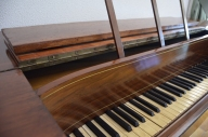 restauración del piano de Rosalía de Castro, en el Pazo de Mariñán