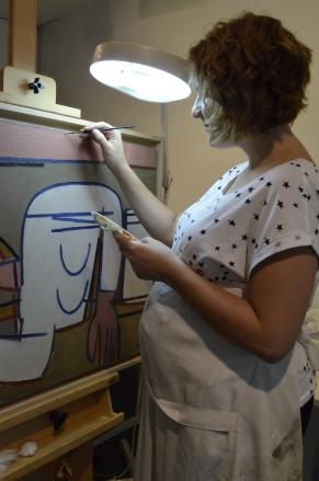 restauración de pintura en la Fundación Luis Seoane, ya con Martín en la barrigota