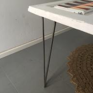 puerta convertida en mesa